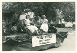 Brownsburg Centennial Parade: Hollett-Harmon float